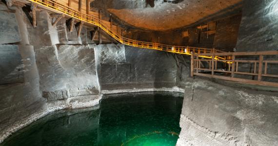 best-tour-outside-krakow-in-wieliczka-salt-mine